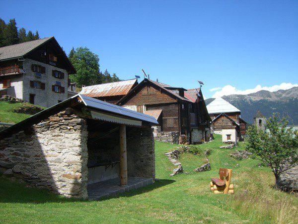 Pause im malerischen Dorf Cala
