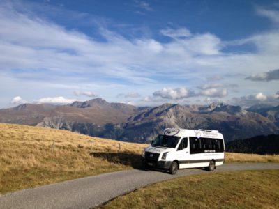 Bus alpin im Naturpark Beverin