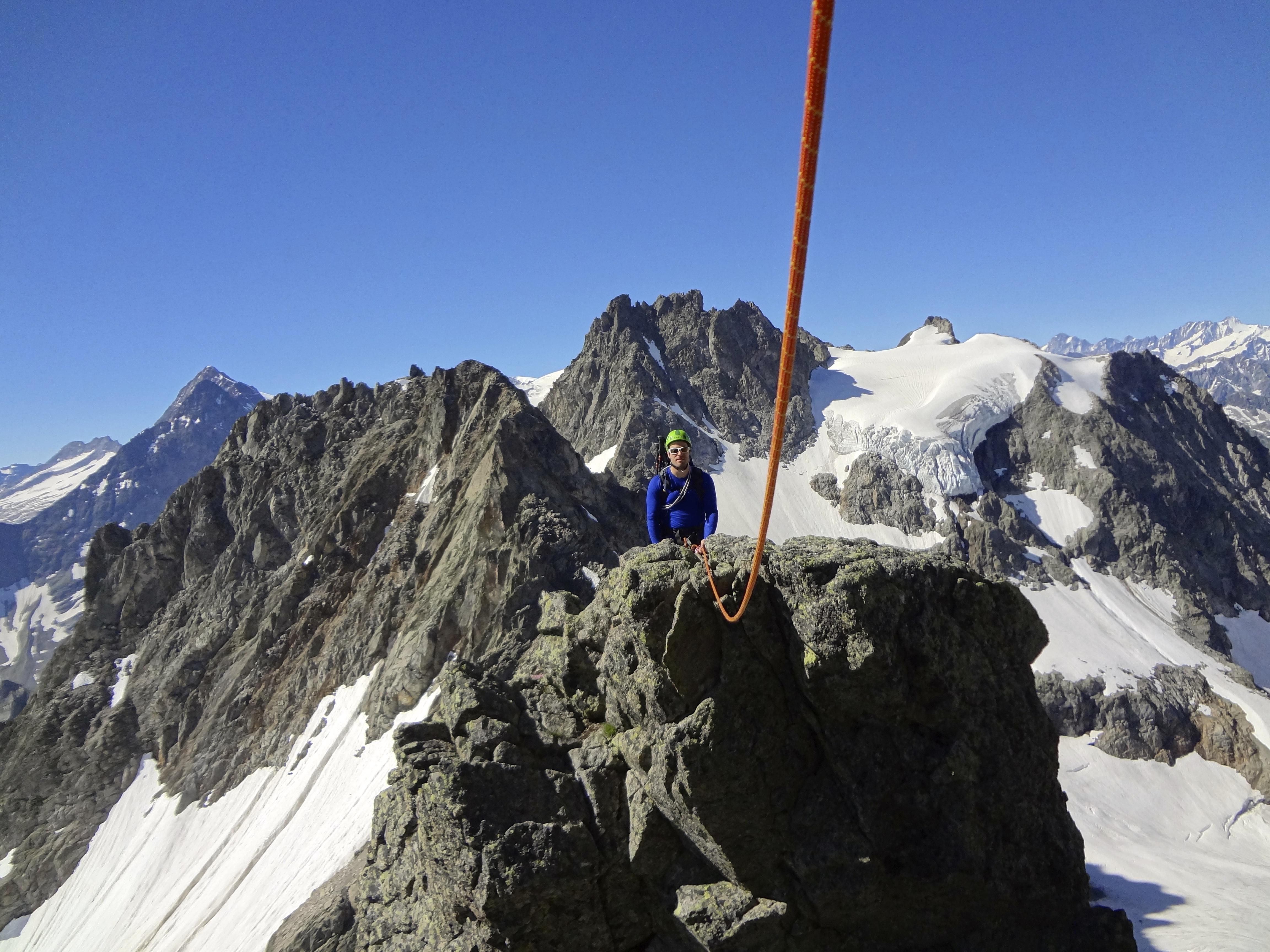 Alpine Kletterei durch die Grassen Südwand. Foto: David Isliker